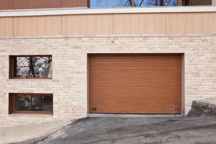 Galleria fotografica  Porte da garage sezionali  MCA